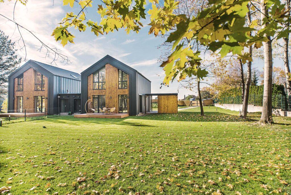 Las casas prefabricadas y las casas modulares.